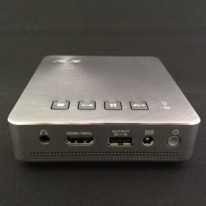 ASUS モバイルプロジェクターS1  端子部