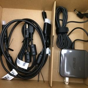 ASUS モバイルプロジェクターS1  ケーブル類