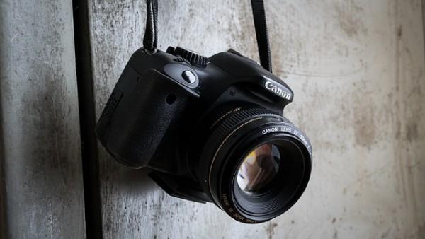 camera-991619_640