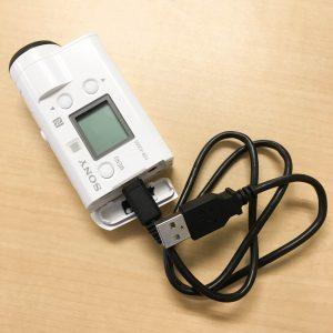 FDR-X3000R 充電スタイル