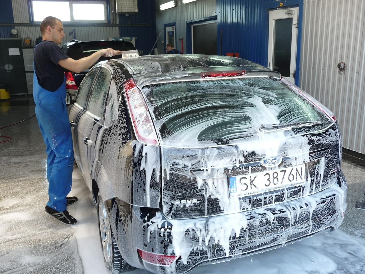 高圧洗浄機を使った洗車!おすすめの洗剤と使い方