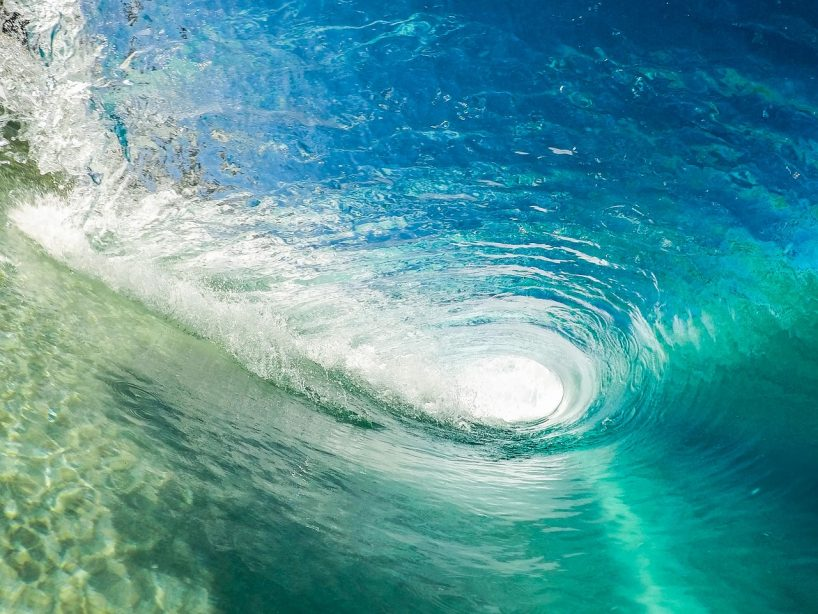 カメラで楽しみたい サーフィンにおすすめのカメラとアクセサリーの紹介