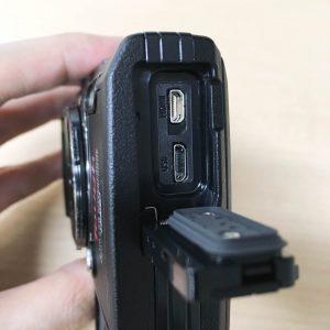 オリンパスTough TG-5 側面カバー