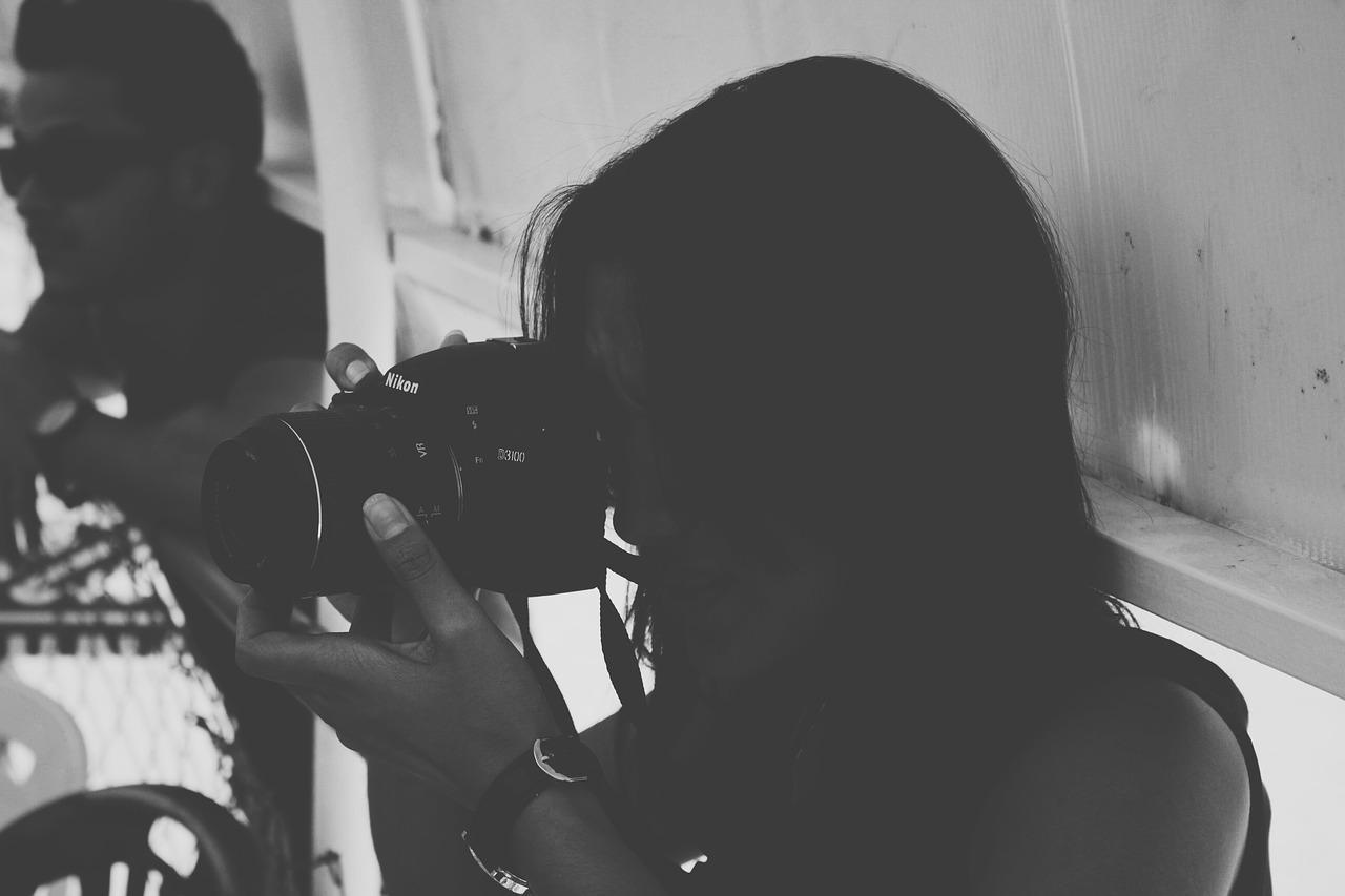 自撮り撮影も簡単キレイ!CASIOの新製品カメラ「EXILIM EX-ZR4100」を紹介・比較します