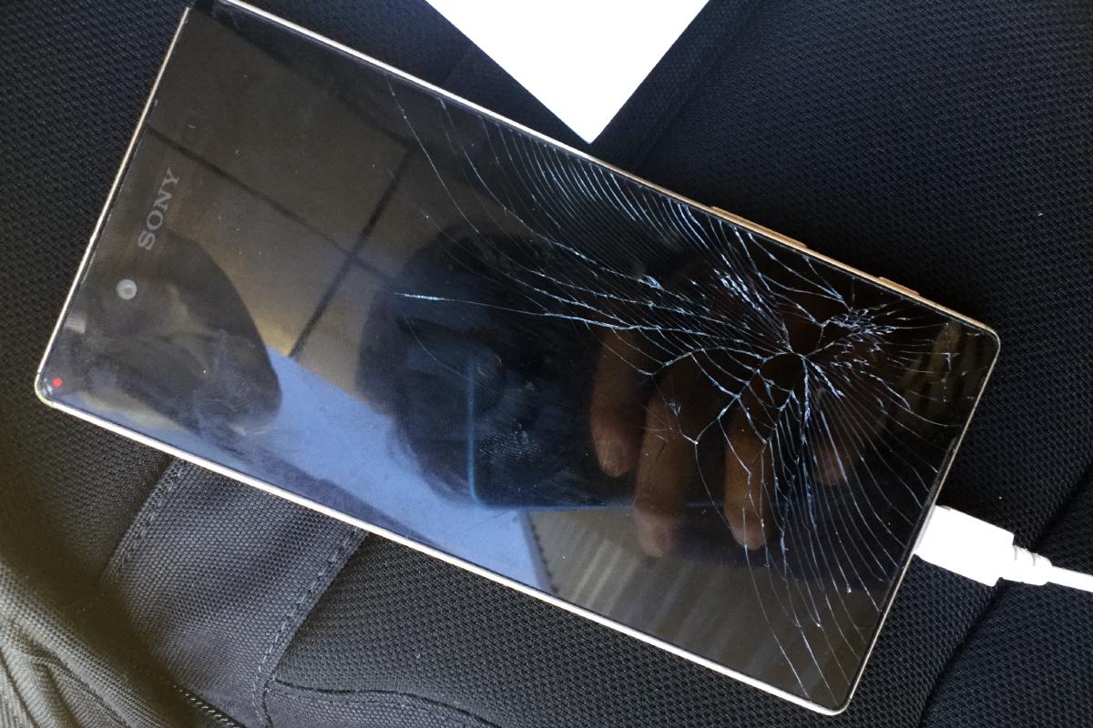 スマートフォン 海外 画面破損