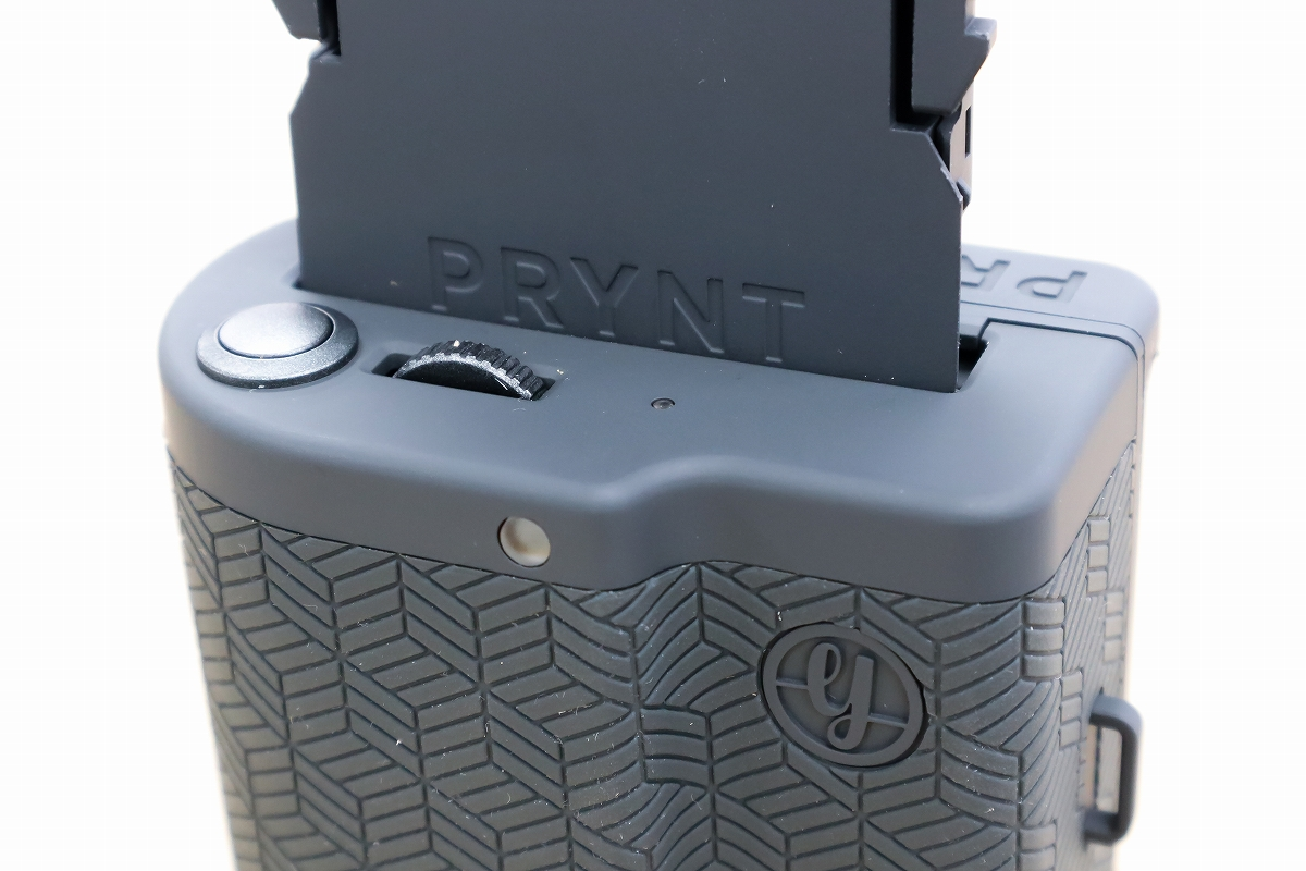 PRYNT POCKET シャッターボタン