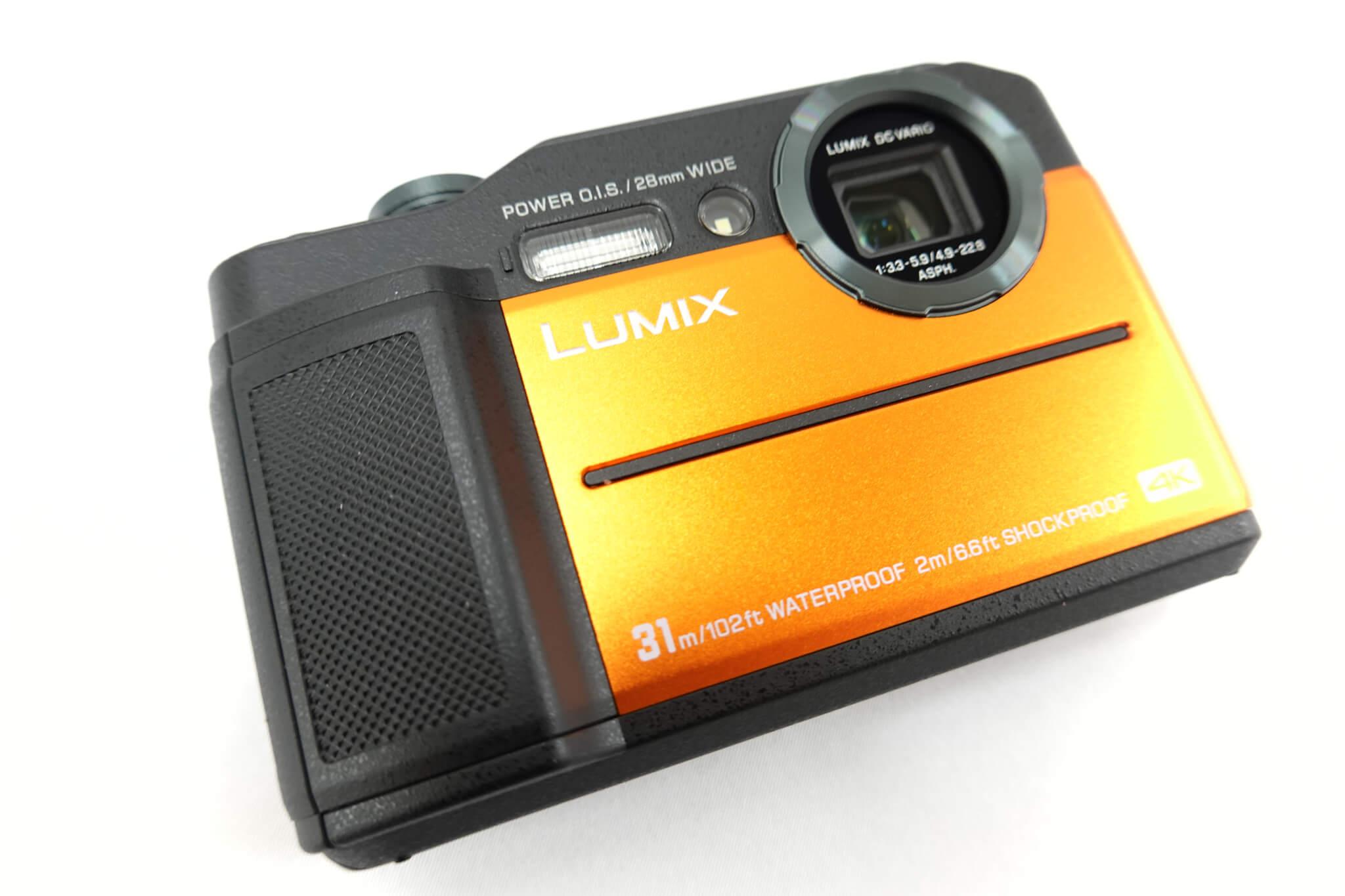 LUMIX DC-FT7 カメラ本体の表面写真