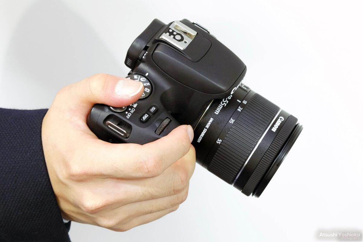 軽い 一眼レフカメラ