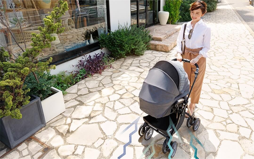 コンビのベビーカー「アンブレッタ」は乳児とのお出かけにおすすめ