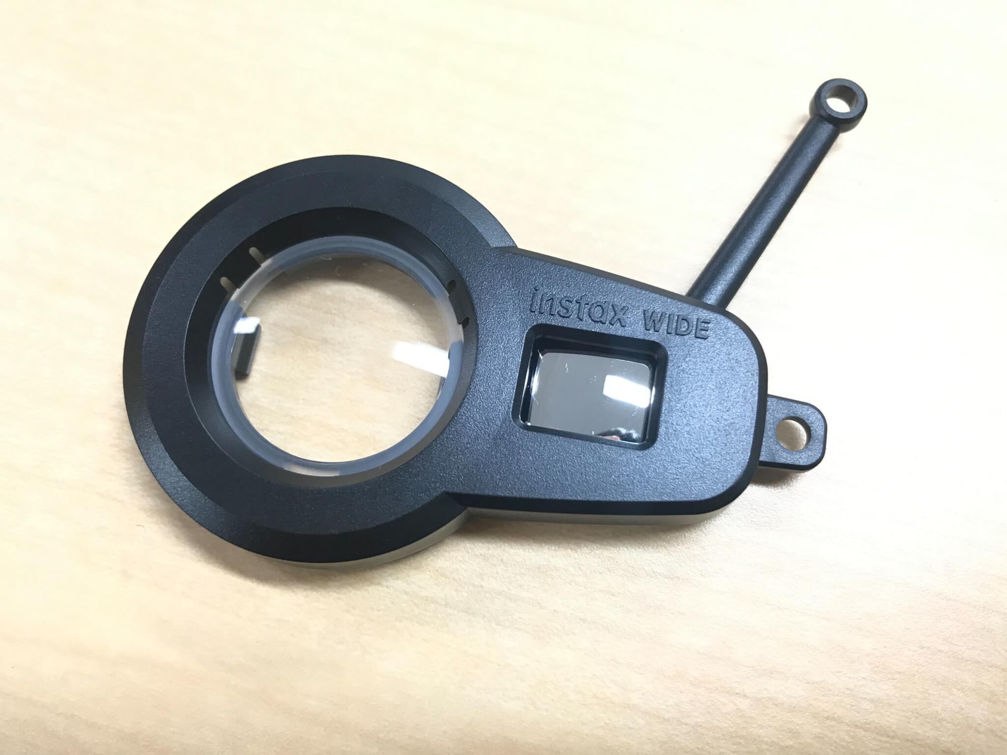 チェキ instax WIDE300 付属の接写レンズでマクロ撮影・自撮りもOK