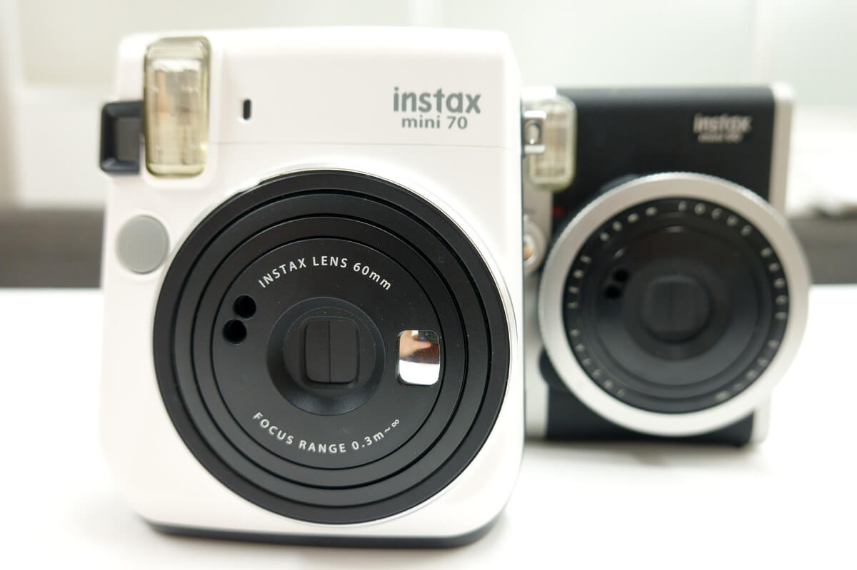 チェキ instax mini90とmini70の違い 自撮り向きの機能