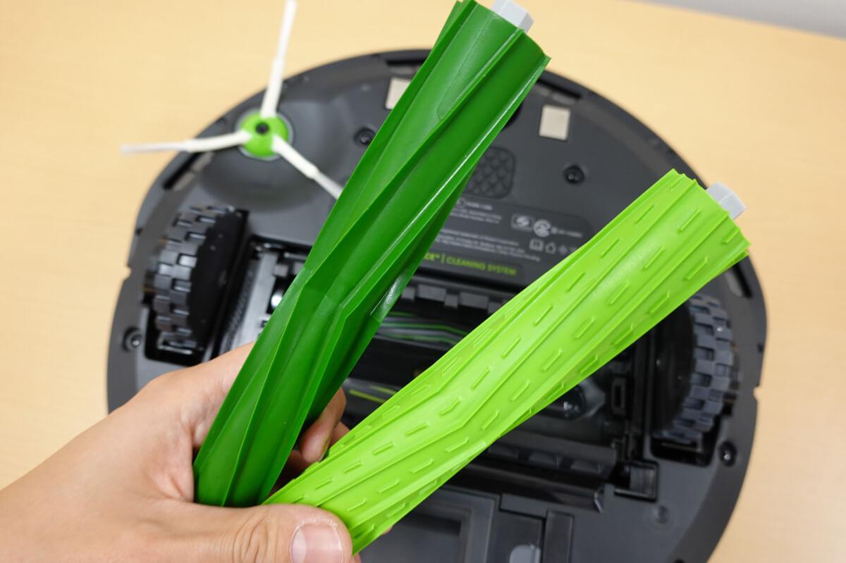 ルンバi7+の高い清掃能力 ゴム製のデュアルアクションブラシ