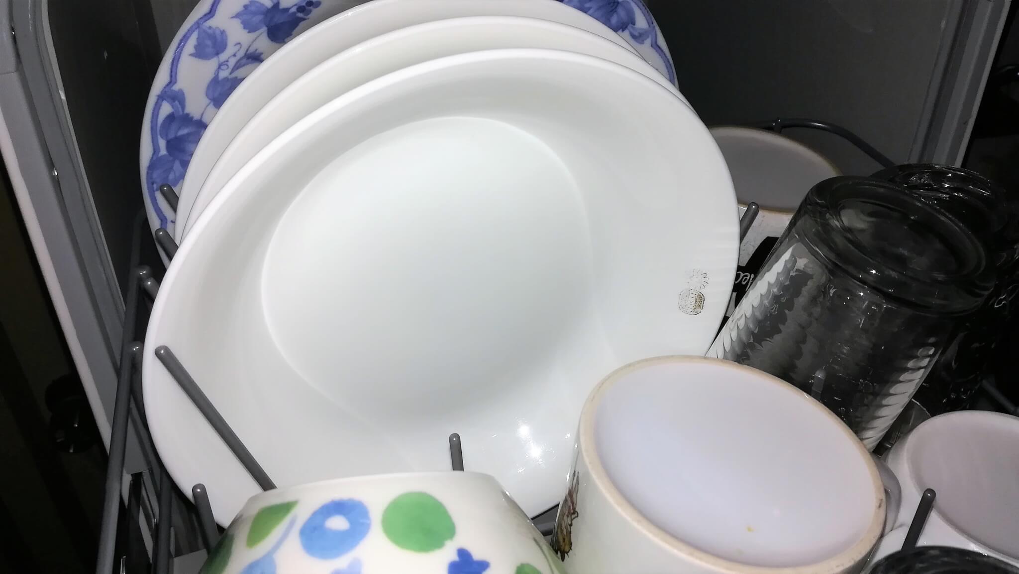 洗浄後のお皿 ジェイム SDW-J5L-W