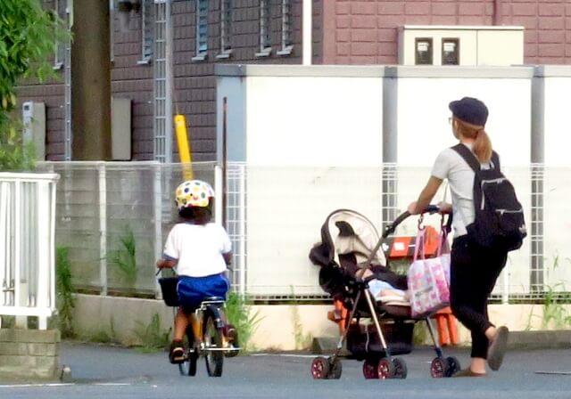 ベビーカーは必要?不要派&必要派それぞれの意見 徒歩での移動が多い