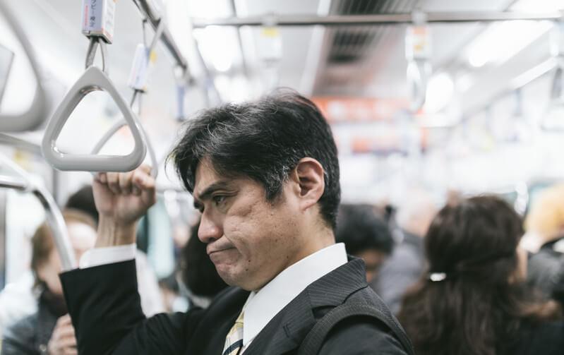 ベビーカーは畳まずに電車に乗せられる? ただし、良く思わない方がいるのも事実