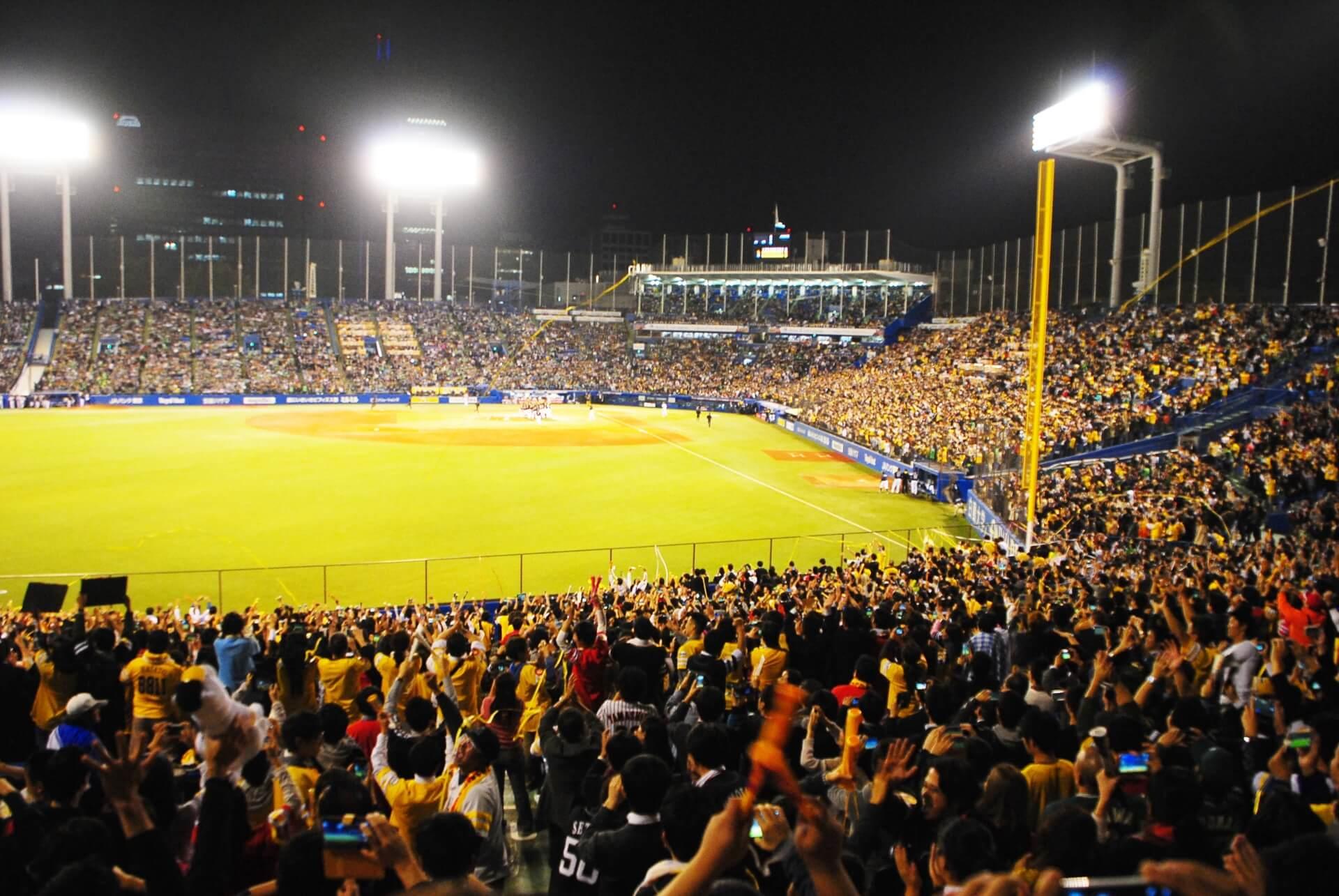 プロ野球などスポーツ観戦におすすめのNikon COOLPIX「ウルトラズームカメラ」をご紹介!