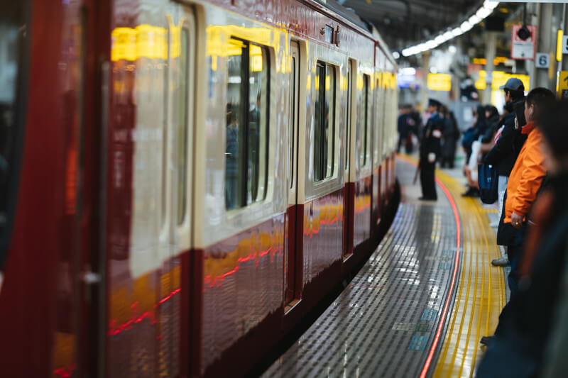 ベビーカーは必要?不要派&必要派それぞれの意見 電車での長時間移動はベビーカーがいい