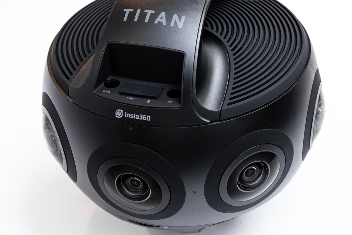 Insta360 Titan レビュー