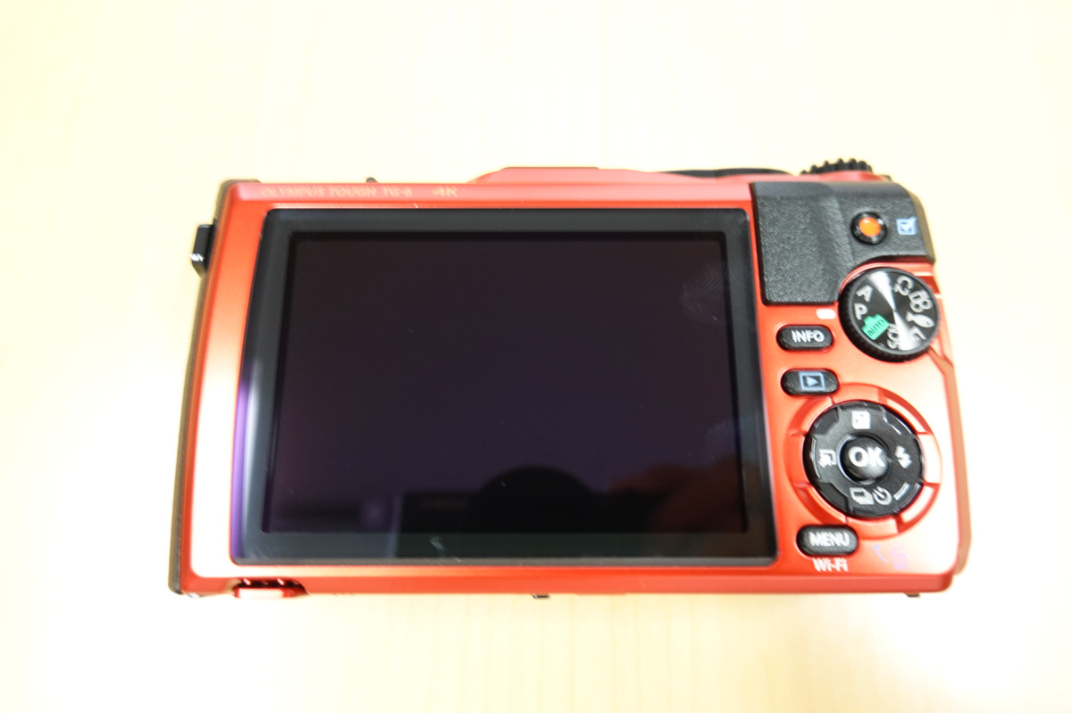 OLYMPUS「Tough TG-6」使用レビュー カメラ本体の裏面