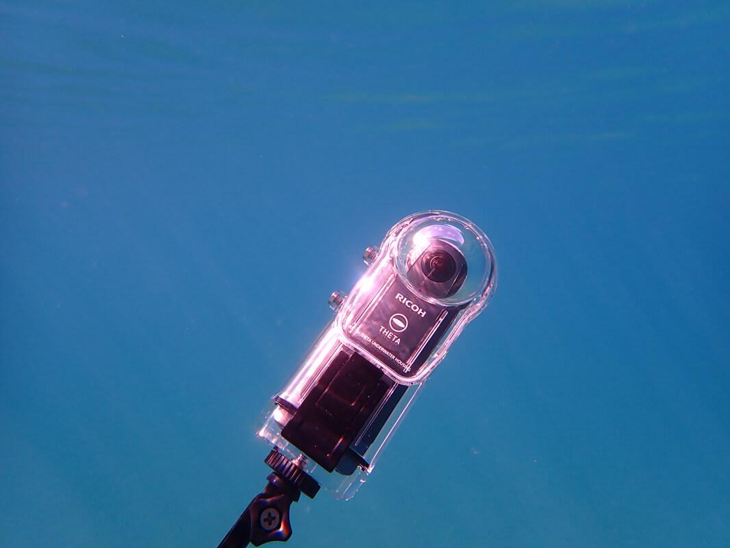 THETAの水中撮影で必要な防水ハウジングケース