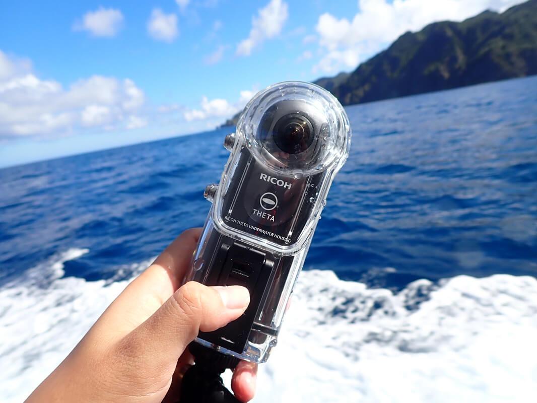 RICOH THETA V&防水ケースで水中撮影!ダイビングの実体験から注意点と使い方のコツを解説