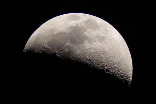 目的別おすすめ天体望遠鏡 月を見るための天体望遠鏡