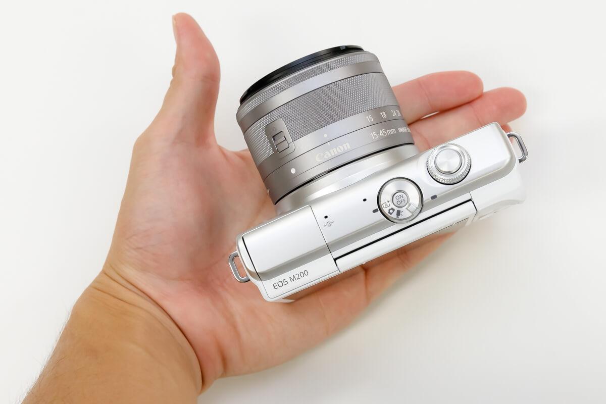 Canon EOS M200 ミラーレスらしさ