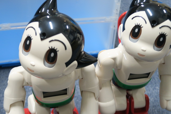 コミュニケーションロボット ATOM(アトム)実機レビュー!おすすめ機能をレンティオ編集部が厳選紹介