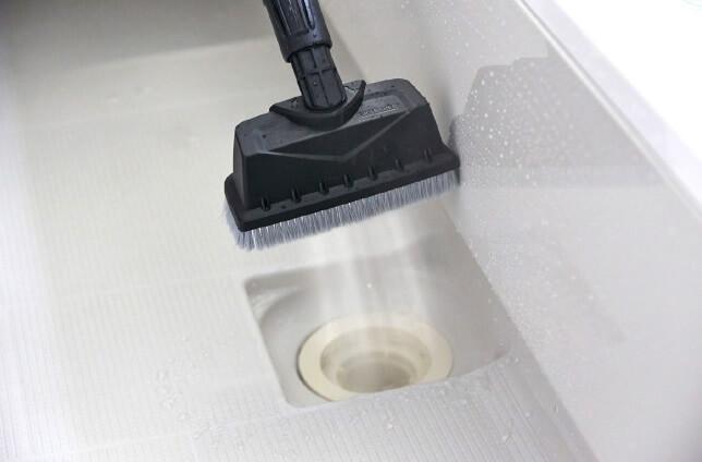 ケルヒャー高圧洗浄機 7つの活用術 7. 浴室
