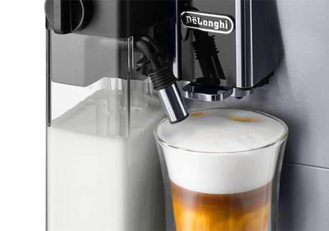 デロンギの全自動コーヒーメーカー「エレッタカプチーノトップ」の特長 すべてが全自動。誰でも簡単に本格的なカフェメニューを楽しめる