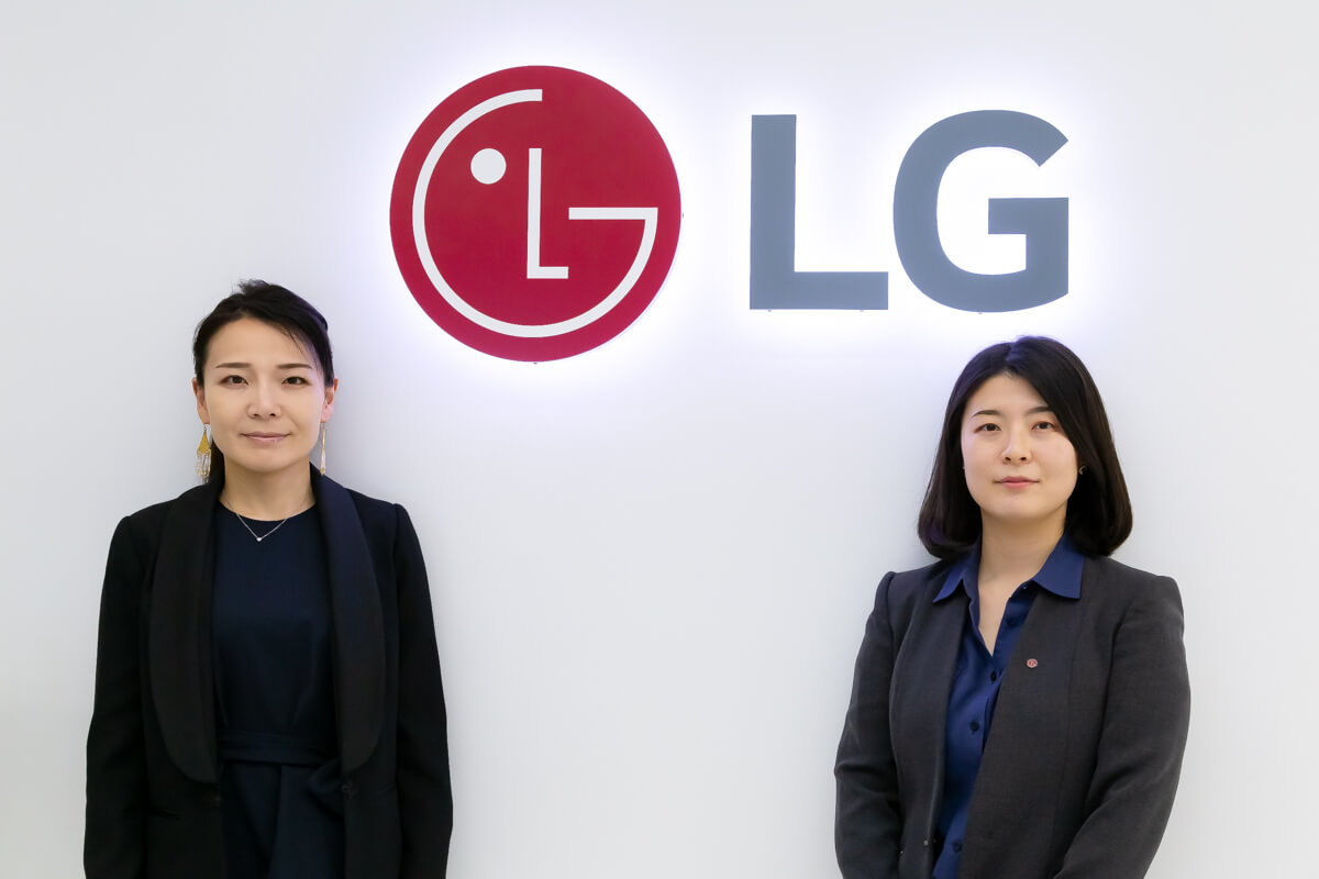 LGエレクトロニクス・ジャパン株式会社 マーケティングチームの宇佐美 夕佳さんと金 秀智さん