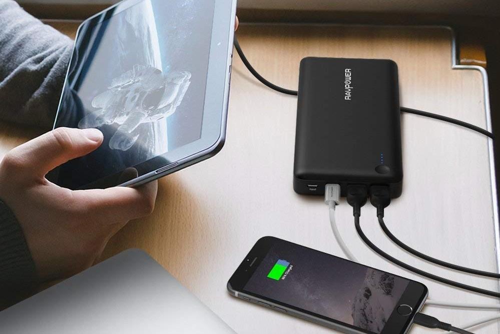 スマホ、タブレット、ノートPCを充電するRP-PB058