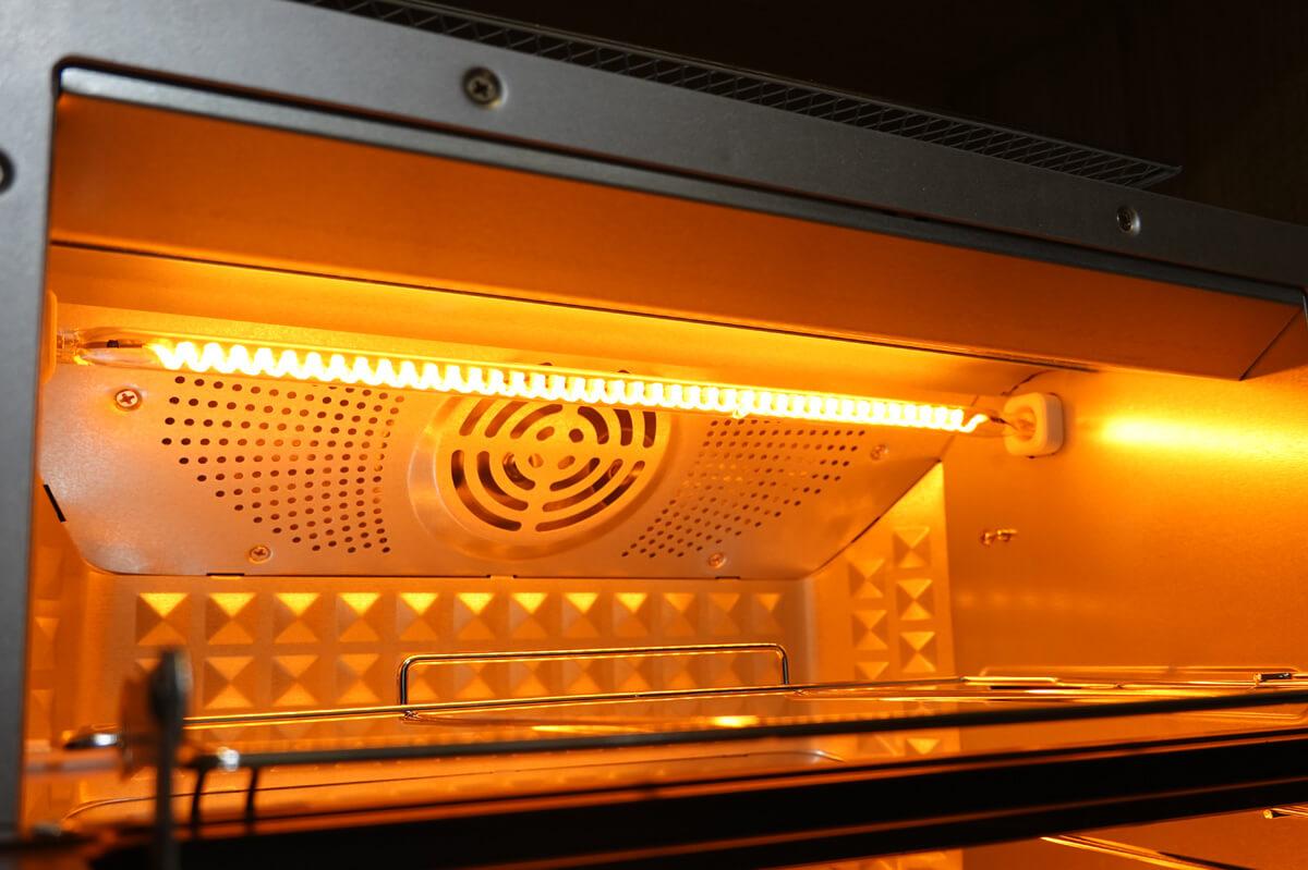 シロカのオーブントースター「すばやき おまかせ ST-2D251」 高火力ですばやく焼き上げ