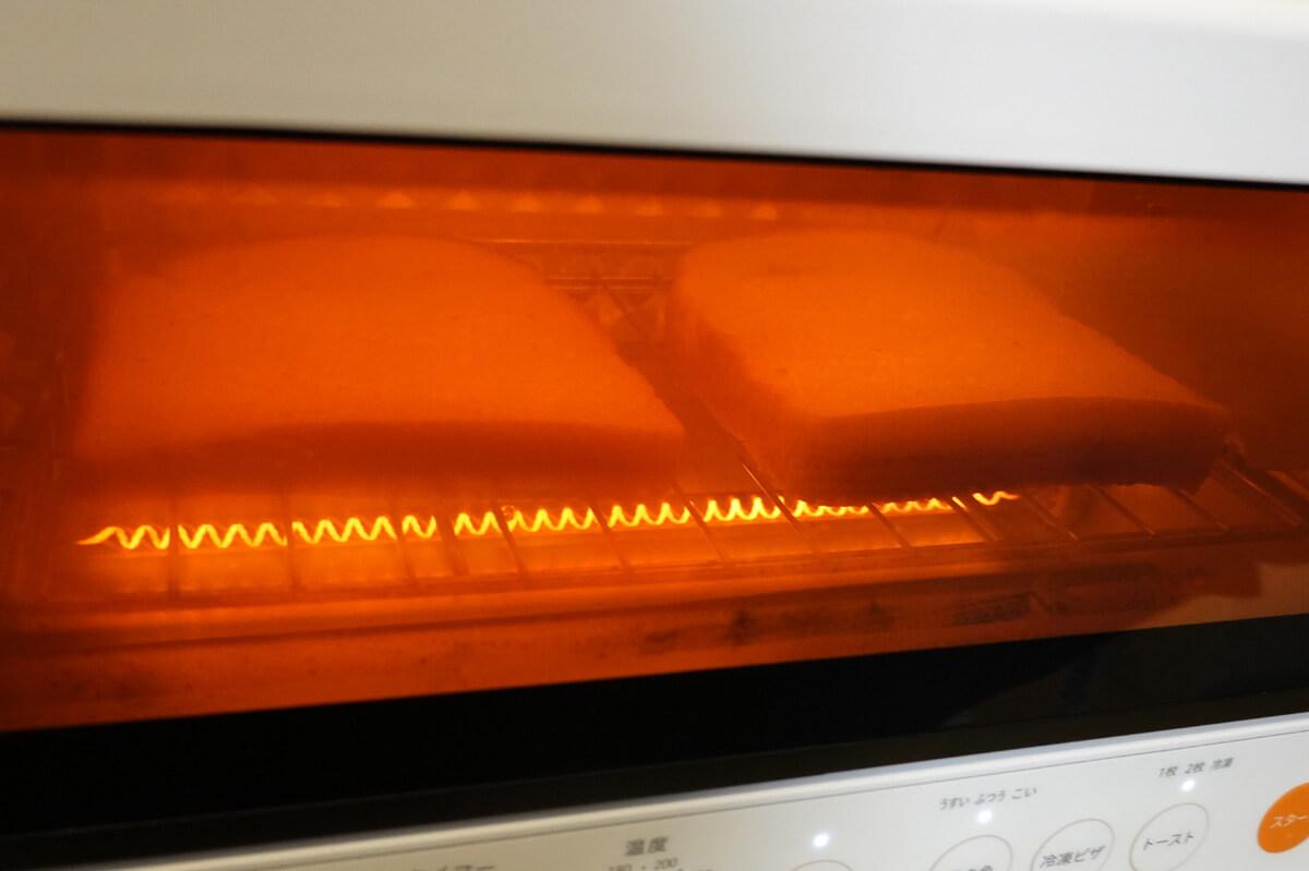 「シロカ」vs「バルミューダ」トースターを6項目で比較! 2. パンの加熱 トーストの焼ける早さ