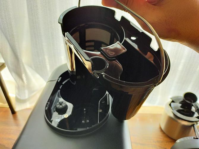 シロカの全自動コーヒーメーカー「カフェばこ SC-A371」のミル付きバスケット
