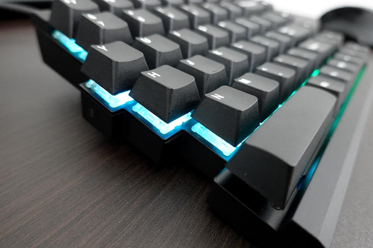 実際に使って感じた効果と、購入前に知っておきたい注意点 ○ 光るキーボードって…かっこいい