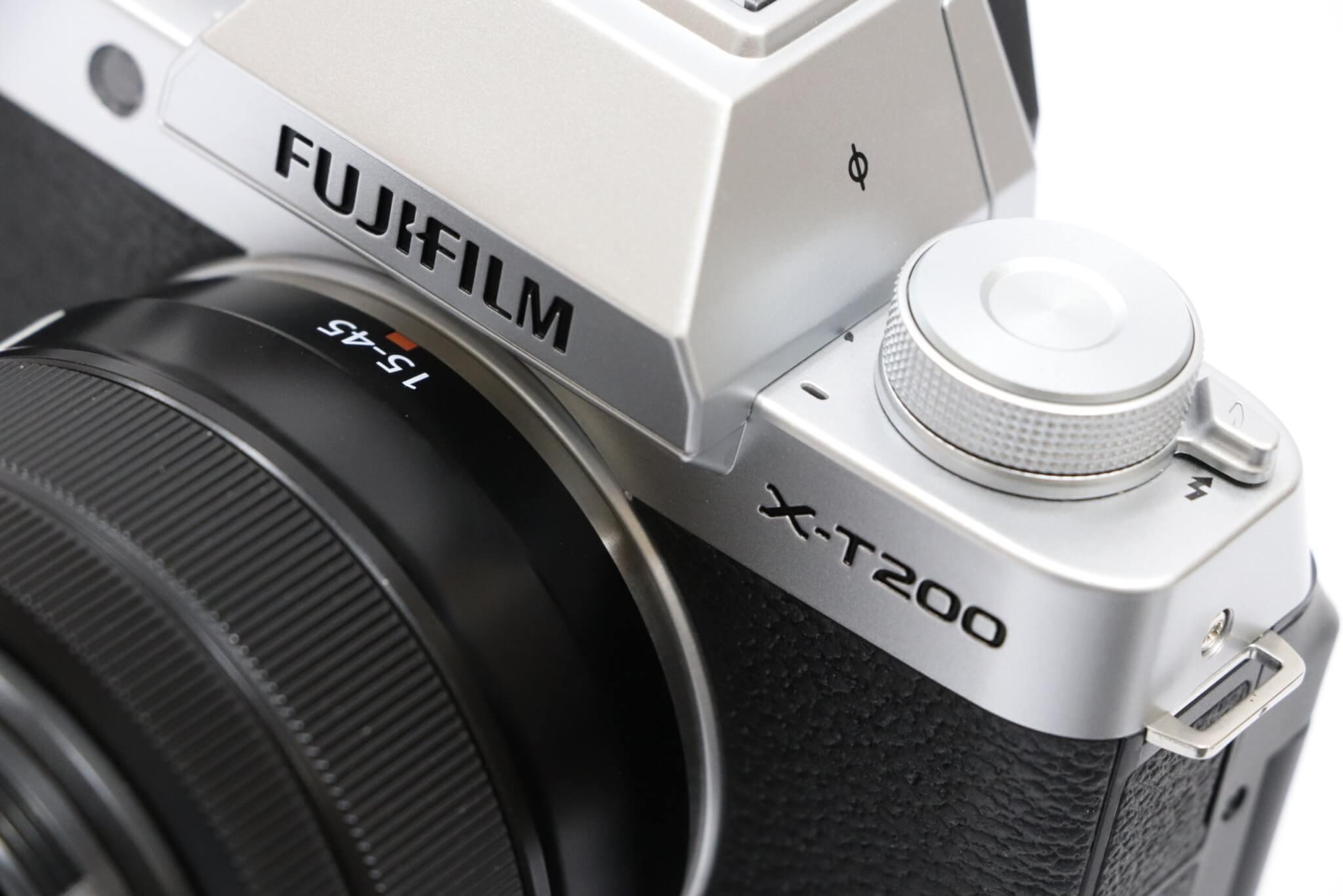 FUJIFILM X-T200実写レビュー。大型モニター搭載、撮りたい瞬間を逃さない「顔・瞳AF」を備えた最新ミラーレス一眼