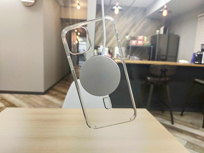 AppleのMagSafe充電器のケース設置