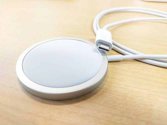 AppleのMagSafe充電器の出力