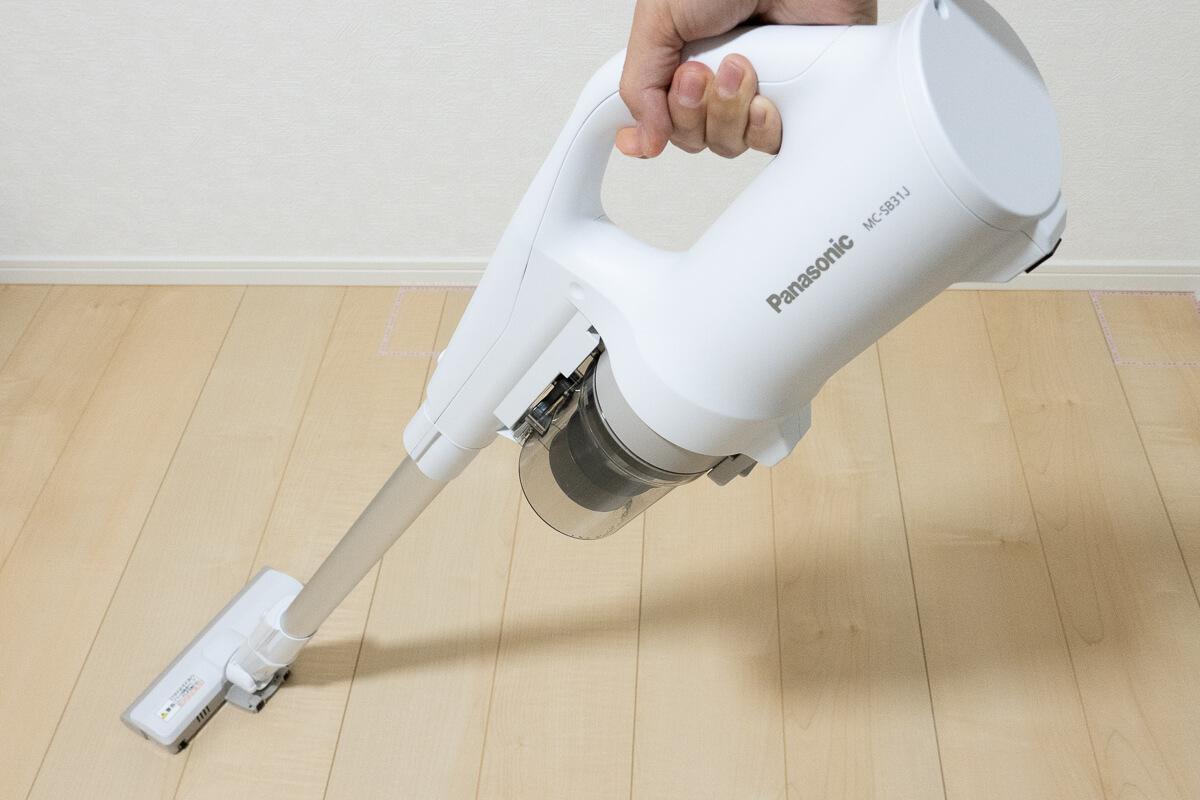 Panasonic「パワーコードレス MC-SB31J」使用レビュー!掃除を楽にしてくれる軽量スティック掃除機