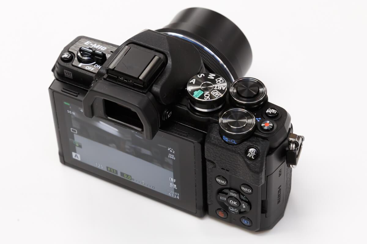 OLYMPUS OM-D E-M10 Mark IV ボタン ダイヤル 配置