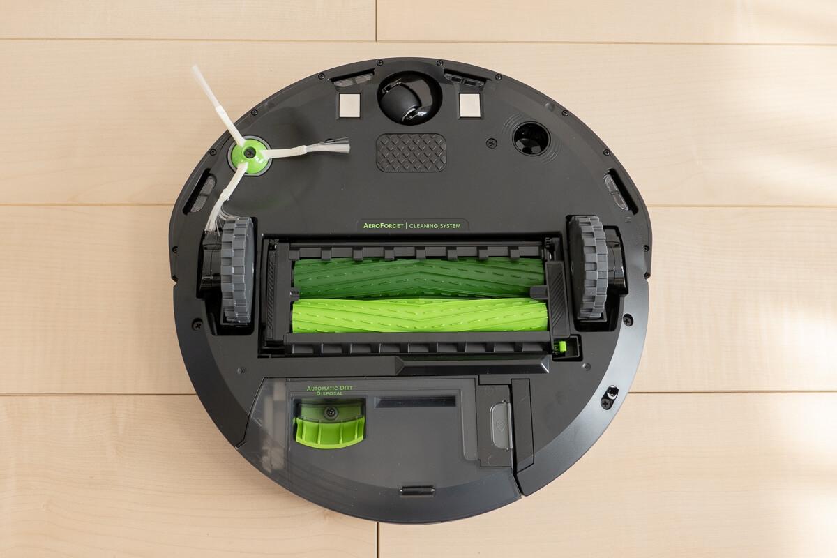 ルンバ i3+ / i3の特長 3. パワフルな清掃力