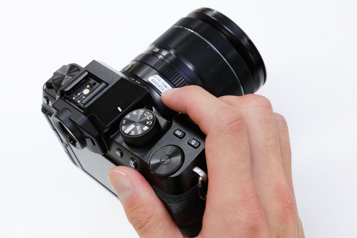 FUJIFILM X-S10 携帯性