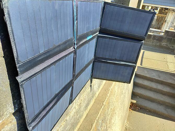 Anker PowerPort Solar 60の日光の当て方