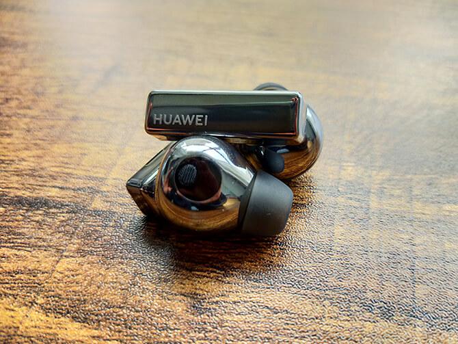 HUAWEI FreeBuds Proはカナル型の完全ワイヤレスイヤホン