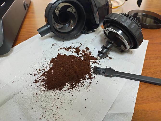 ツインバードの全自動コーヒーメーカー CM-D457Bのミル
