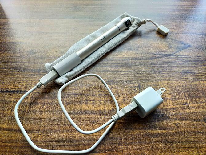 ベクノスの360度カメラIQUI(イクイ)の充電方法