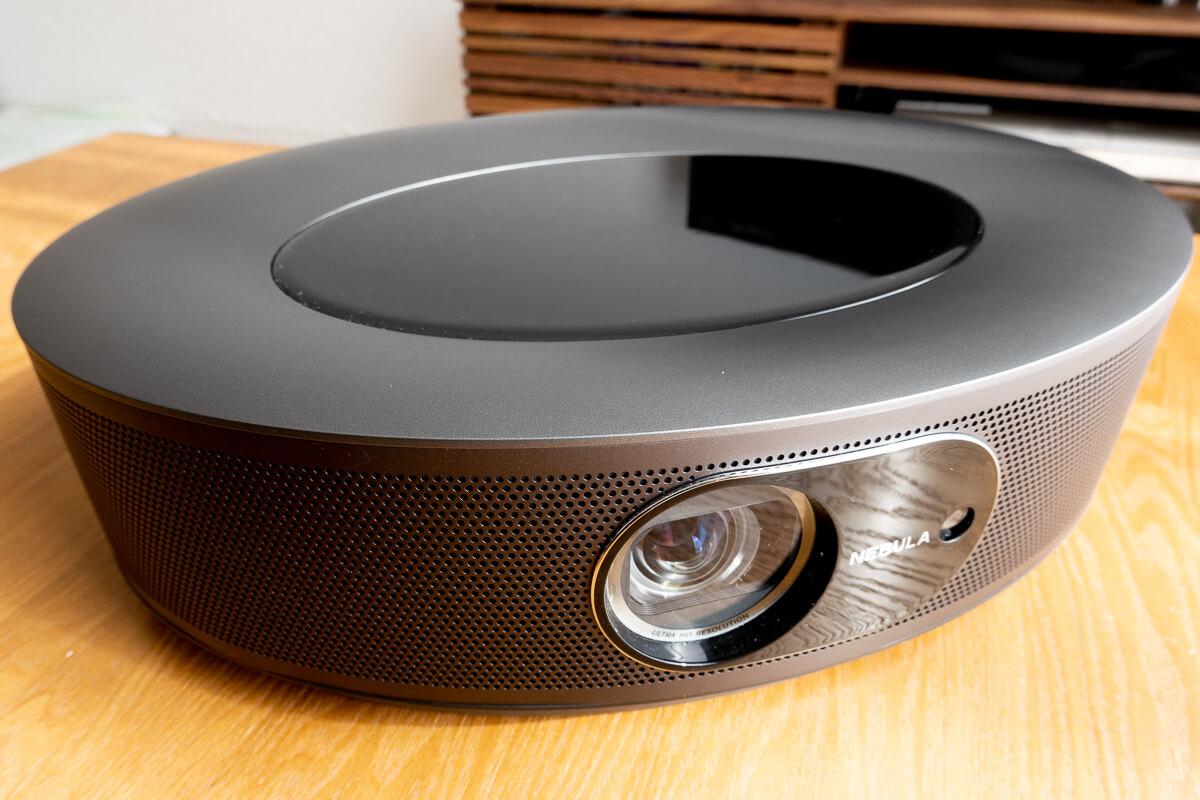 Anker「Nebula Cosmos Max」使用レビュー。極上のお家時間が過ごせる高性能4Kプロジェクター
