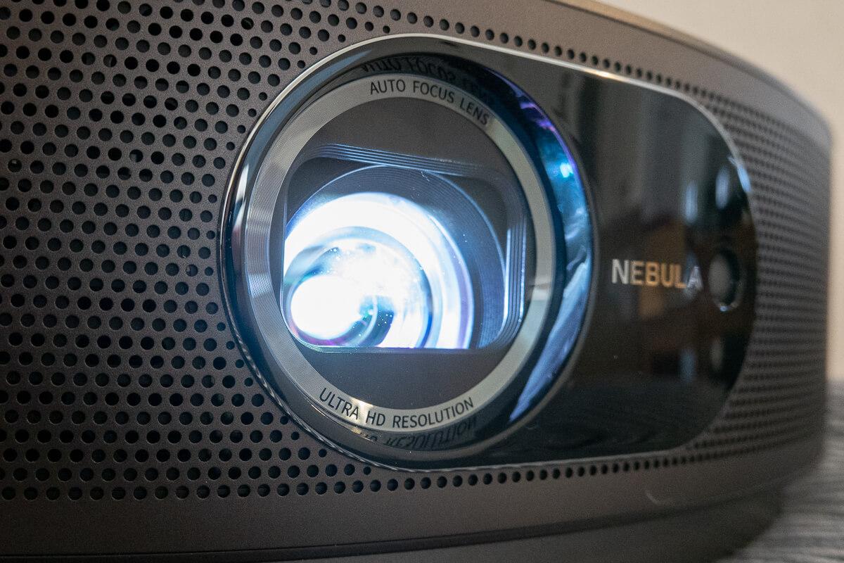 Anker「Nebula Cosmos Max」の特長 4K対応で明るく鮮やかな映像体験