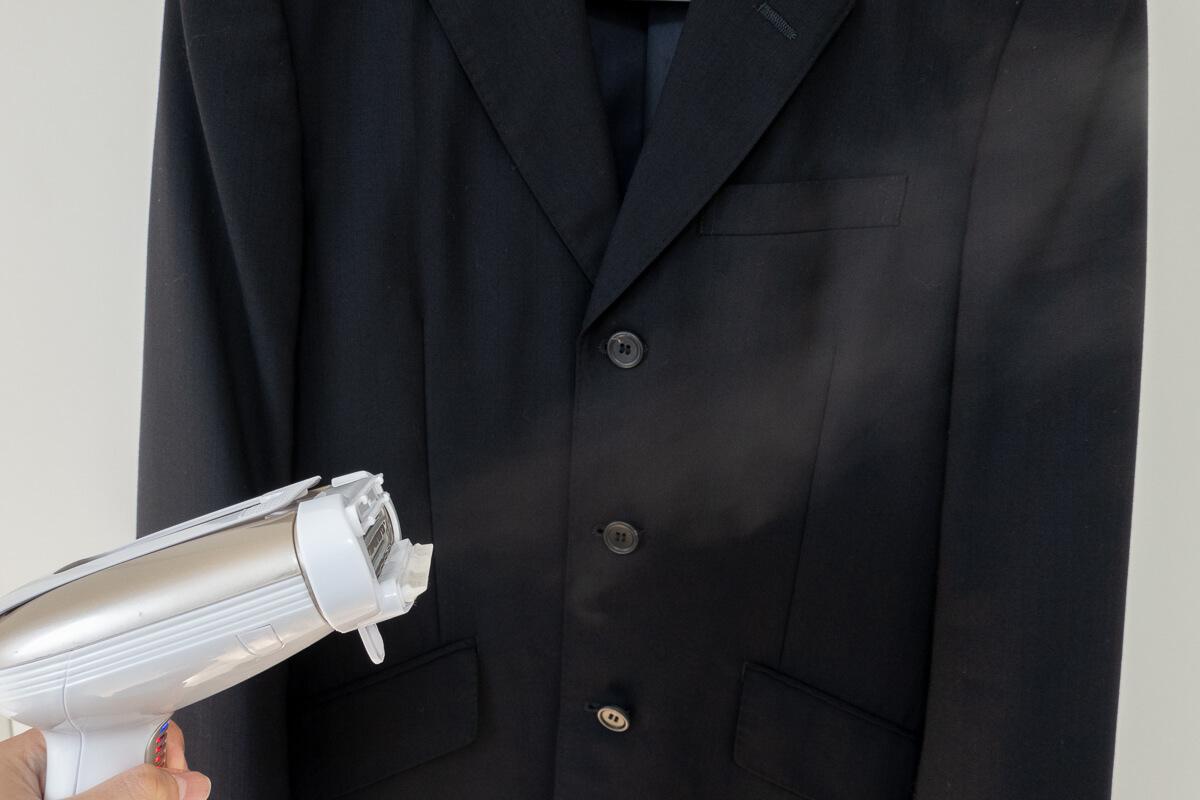コンエアーの衣類スチーマー「エクストリームスチーム ウルトラ」 パワフルなスチームで衣類を時短ケア